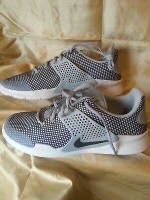 d64d16467d99 New Nike Arrowz SE Mens Running Shoe - Wolf Grey - Size 9