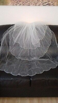 """Wedding Veil With Comb. Ivory. 3 Tier. 45"""" Long"""