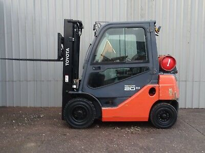 TOYOTA 8FGF20. 3300mm LIFT. USED GAS FORKLIFT TRUCK. (#2220)