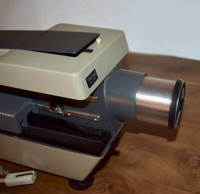 """ROLLEI  Dual Format 35MM & 2 1/2"""" Slide Projector w/remote & 2 trays  PARTS #28"""