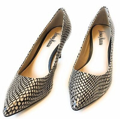 41a8e38544c8 Neiman Marcus Beige Snakeskin Leather Pointed Toe Classic Pumps Heels Size  7.5m