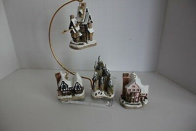 Lot of FOUR DAVID WINTER COTTAGES CHRISTMAS ORNAMENTS