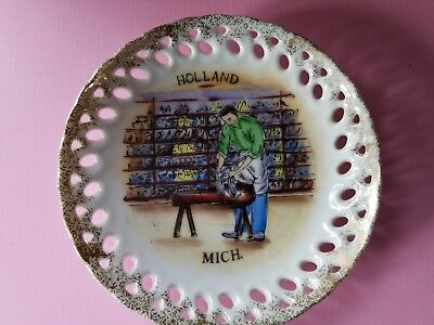 Vintage Holland Michigan Souvenir Plate-Cobbler, Japan