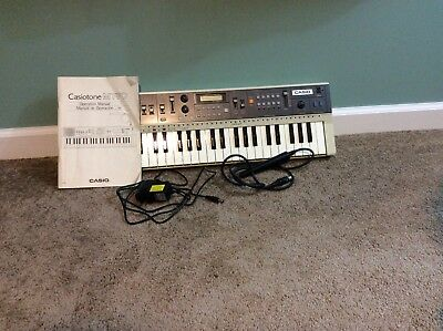 CASIO Casiotone MT-70 Electronic Keyboard SYNTHESIZER IOB w/ power adapter 80s