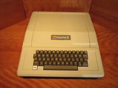 Vintage Apple II+ Computer A2S2 521695 Excellent Working Condition Apple 2 Plus.