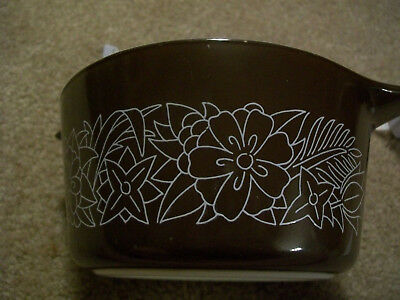473-B Pyrex *Vintage* Woodland 1 Qt Brown and White Casserole