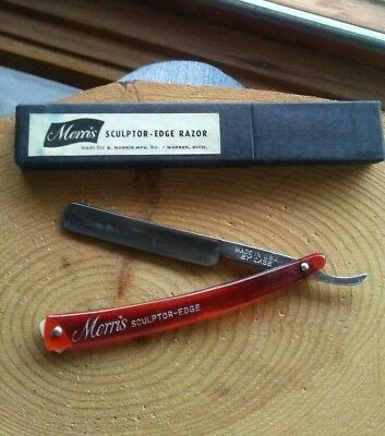 Vintage Sculptor Edge Razor made by Case with red plastic handle and orig box.