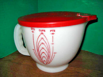 Vintage Tupperware  8 Cup Mix And Store W / Measurements  W / Lid