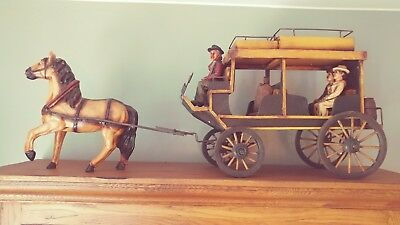 Large Antique Style Western Horse-drawn Coach And Figures