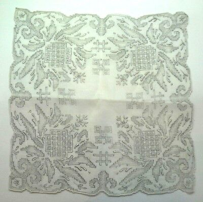 Beautiful Vintage Gray Linen MADEIRA EMBROIDERED AND DRAWN-WORK HANKY