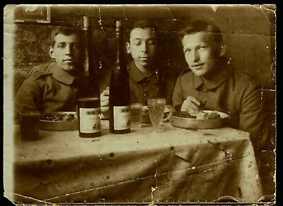 WWI German, Artillery soldiers having lunch, photo #613