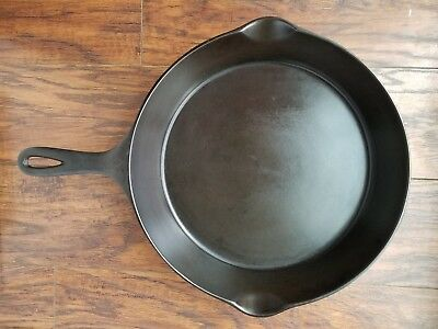 "Fully Restored Wagner ""Sidney O"" 9B Cast Iron Skillet-Sits Flat"