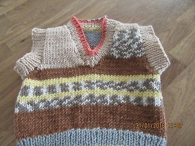 brand new hand knit baby sleeveless sweater chest 16 inch / 41 cms 0/3mths