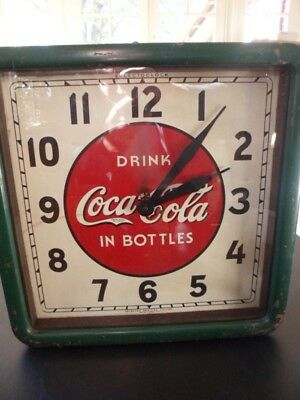 Vintage Authentic Coca - Cola Clock, 1939,  Metal & Wood, Perfectly Operating !!