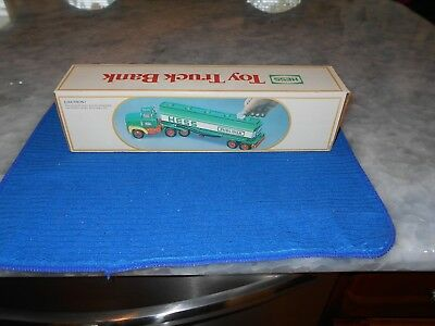 Vintage 1984 Hess Tanker Toy Truck Bank in MINT Condition w/inserts