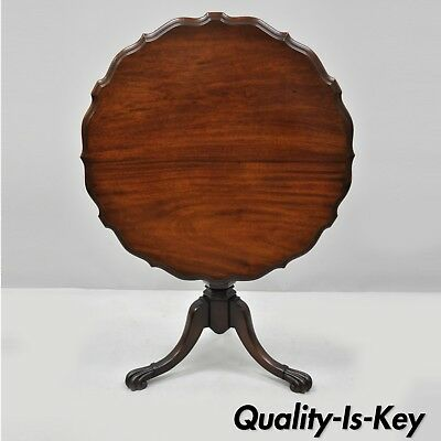 19th Century English Regency Carved Mahogany Pie Crust Tilt Top Occasional Table
