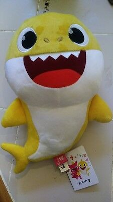 WowWee Baby Shark Official English Singing Plush