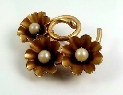 Vintage Gold Tone 3 Flowers with Faux Pearl in Center Pin/Brooch Beautiful