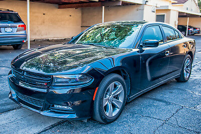 2015 Dodge Charger SXT Excellent Condition - with 2 years free maintanence contract remaining