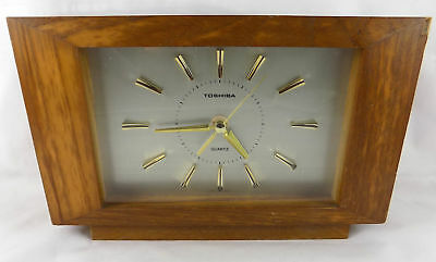Vintage Toshiba wooden clock  sweeping second hand 1980s used