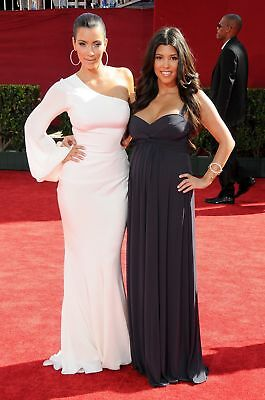 Kim And Emmys Elegant Posing On The Carpet 8x10 Picture Celebrity Print