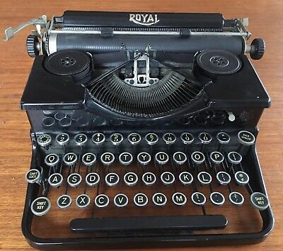 Vintage Royal Manual Portable Typewriter 1930s