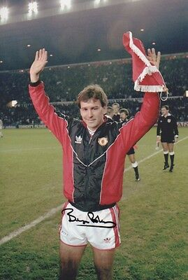 BRYAN ROBSON In Person Signed 12x8 Photo MANCHESTER UTD COA