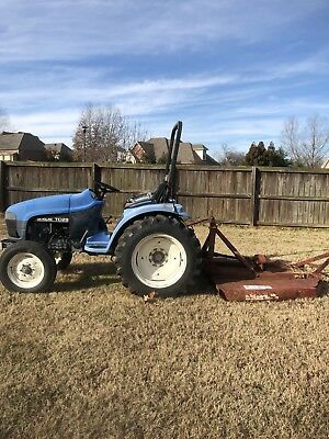 2001 TC29 Ford Tractor (New Clutch, Water Pump, Starter)