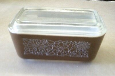 Vintage Pyrex 0502 1 1/2 Pint Brown WOODLAND Pattern Refrigerator Dish with Lid