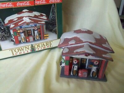 1992 Coca Cola Town Square Christmas Village Howard Oil Service Gas Station MIB