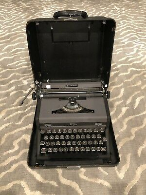 Vintage Black Royal Quiet DeLuxe Portable Typewriter in Case