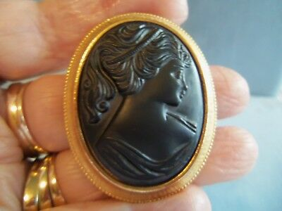 Beautiful large antique Victorian Lady cameo brooch Pendant pin Black glass