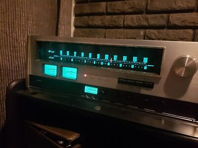 Accuphase T-100 am/ fm tuner , working sounds great, original for Restoration
