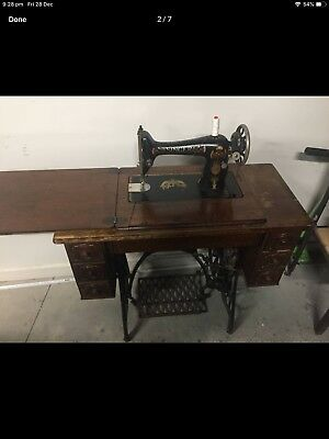 Vintage Antique Singer Treadle Sewing Machine.7 Drawer. With manuals,Oil Can,Key