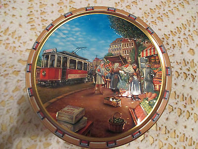 """13--  BISCUIT  TIN   7  1/2  """"  x  3  3/4    """"  High  --IN  GOOD ORDER"""