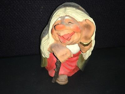 """VINTAGE HENNING HAND CARVED WOOD NORWEGIAN TROLL WIFE- 15 cm tall (6"""")"""