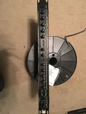 Alesis 3630 RMS/Peak Dual Channel Compressor Limiter with Gate