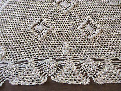 """Vintage Crochet Tablecloth Table Cover Doily Beige Ecru 62"""" Round"""