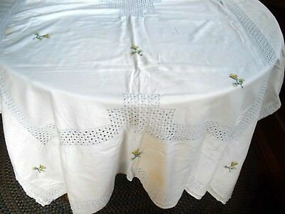 "Vintage White w/ Cut-Outs & Embroidered Flowers Table Cloth  ~ 60"" x 92"""