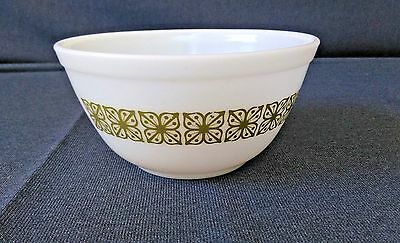 Vintage Pyrex # 402 Verde Green Square Flowers 1 1/2 Quart Mixing Nesting Bowl