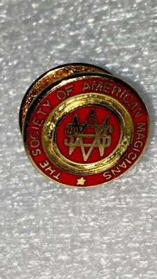 VINTAGE SOCIETY OF AMERICAN MAGICIANS LAPEL PIN 1970's EXCELLENT CONDITION!