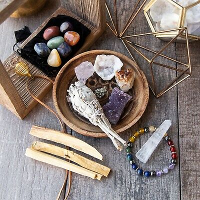 Wearable Healing Crystals Set & Smudging Discovery Bundle - 17 Piece Chakra Kit