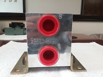 DAMAN hydraulic manifold 0495 AD05HP0135 (NEW) unused,with mounting hardware.