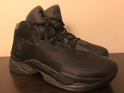 ed856a360e9a Under Armour Men s Curry 2.5 Basketball Shoes Black Size 8.5 1274425-006