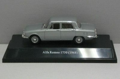Alfa Romeo 1750 1968 - 1:43 - Starline Models