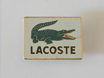 pin's LACOSTE - avec attache -
