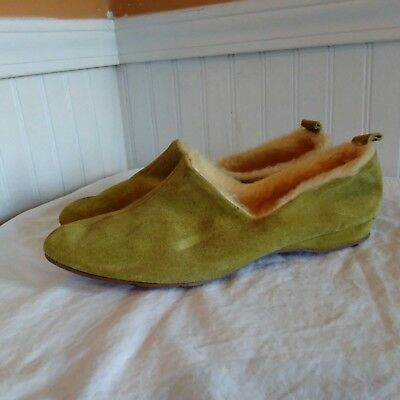 Vtg 70s DANIEL GREEN Suede Slippers Womens Size 8 Fleece Lined Mod Flapper