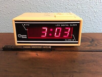 Vintage RARE Retro COSMO Digital Alarm Clock E538 LED  Electric battery Snooze