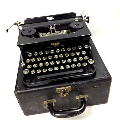 Beautiful Antique ROYAL Built in The British Empire TYPEWRITER