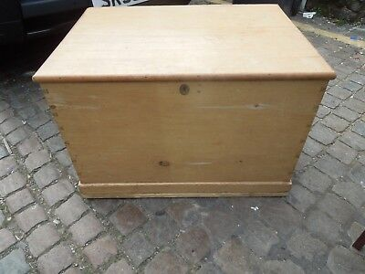 Large Antique Pine Trunk / Toy Chest / Blanket Box ~ Living Bedroom Hall Storage